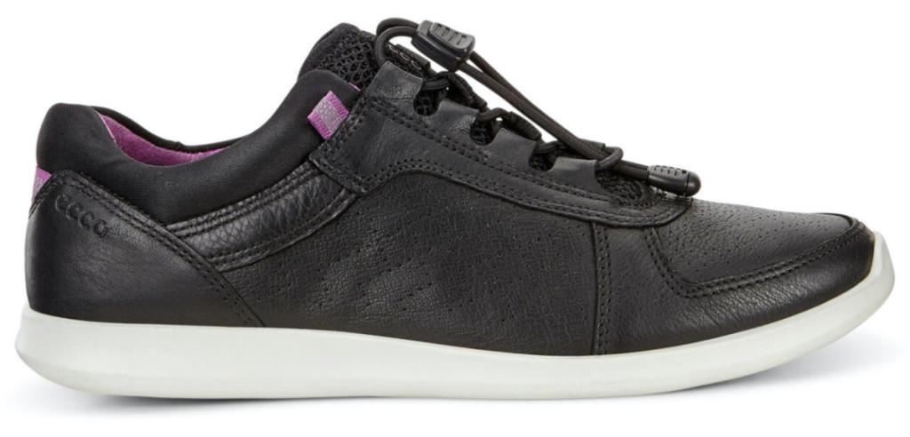 women's black sneaker